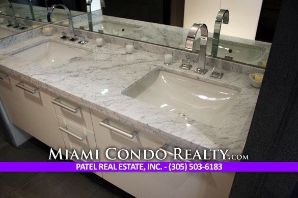 900 Biscayne Bay Bathroom