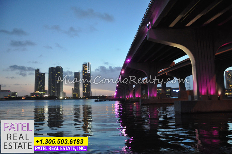 Photo of the Biscayne Wall skyline in Downtown Miami