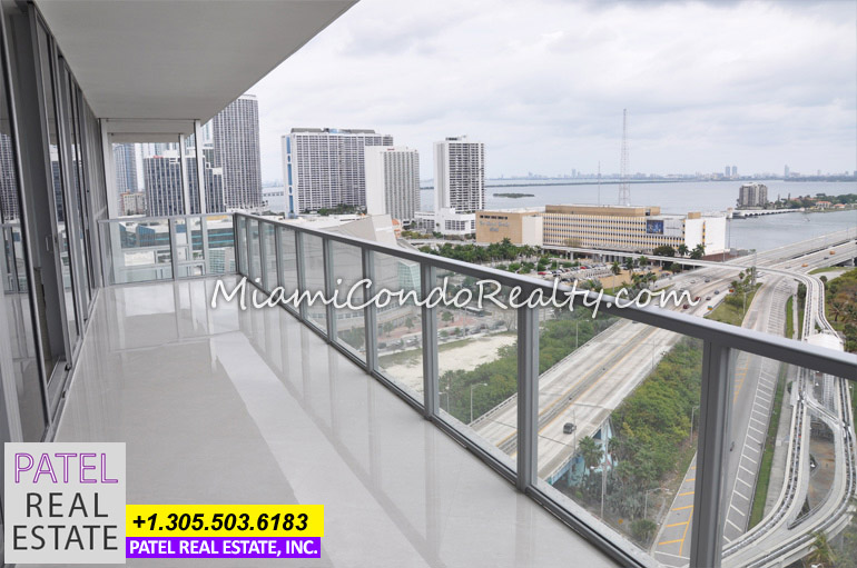Photo of the view and terrace on a Marquis Condo in Miami